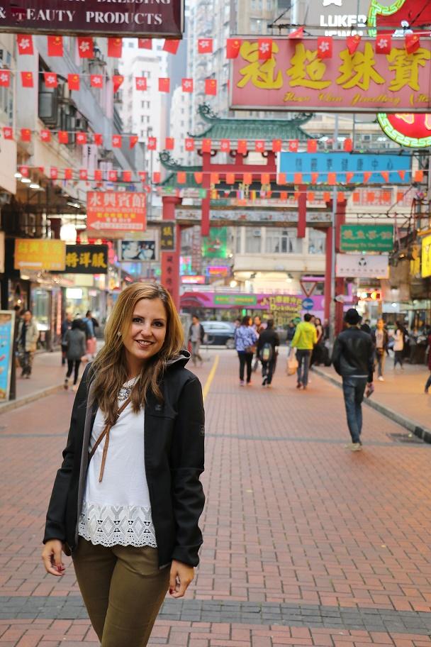 Hong_Kong_Temple_Street_Market_2_thebraidedgirl