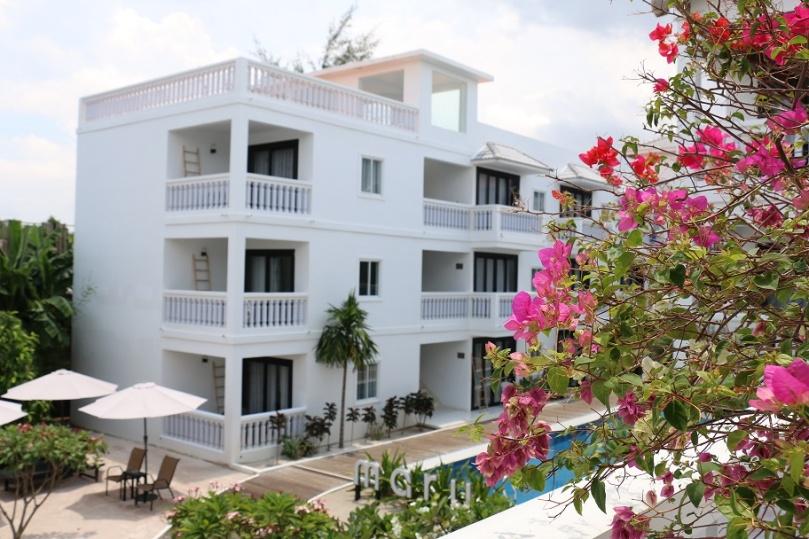 Sihanoukville_Otres_Beach_Two_Mary_Beach_Hotel_5_thebraidedgirl