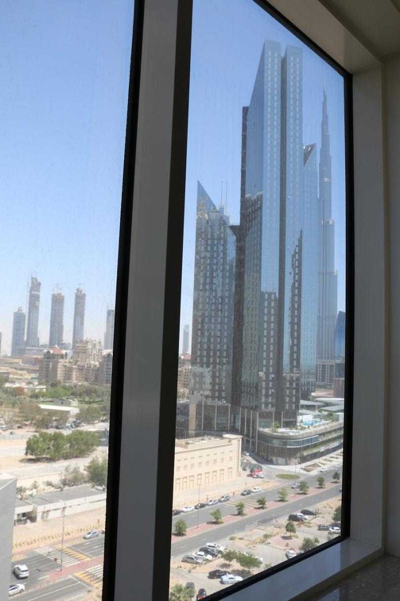 Dubai_Warwick_Hotel_thebraidedgirl