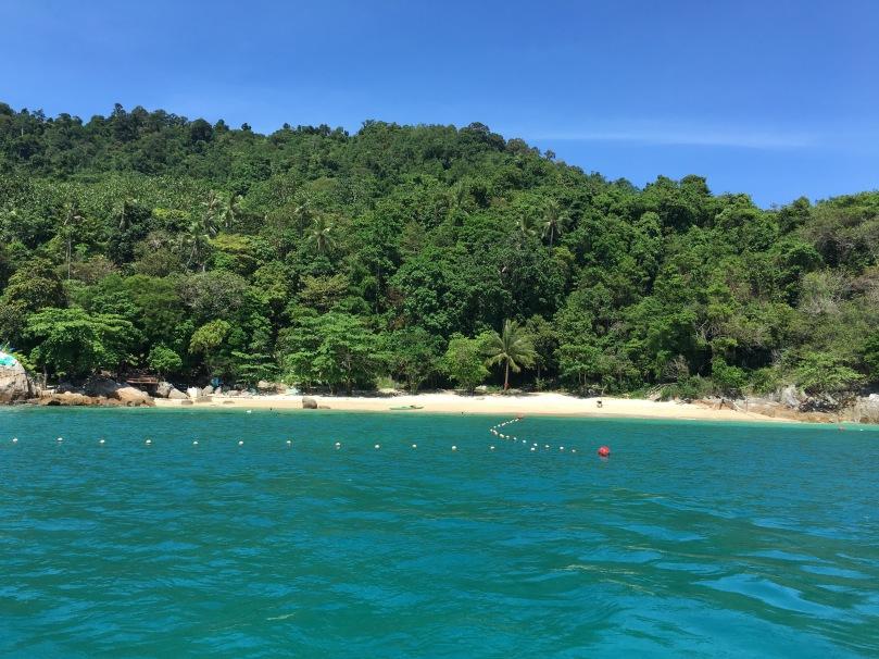 Pulau Perhentian Kecil   thebraidedgirl