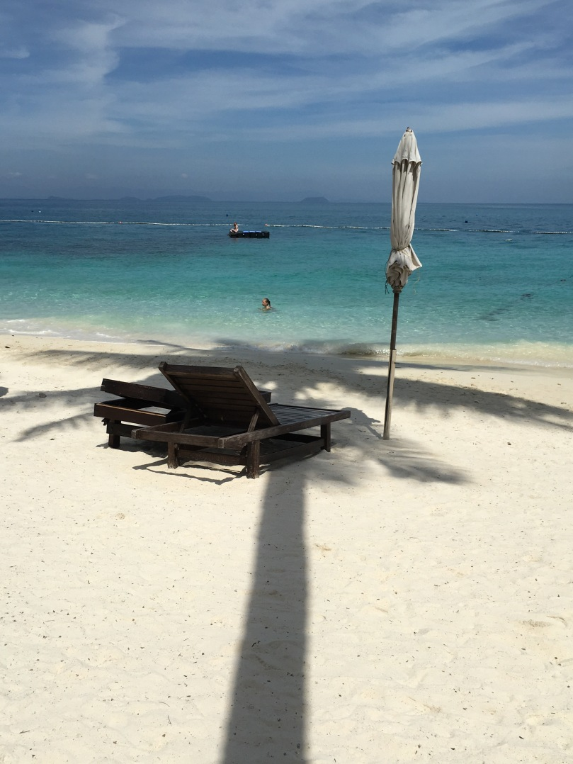 Pulau Perhentian Besar   Tuna Bay Island Resort   thebraidedgirl