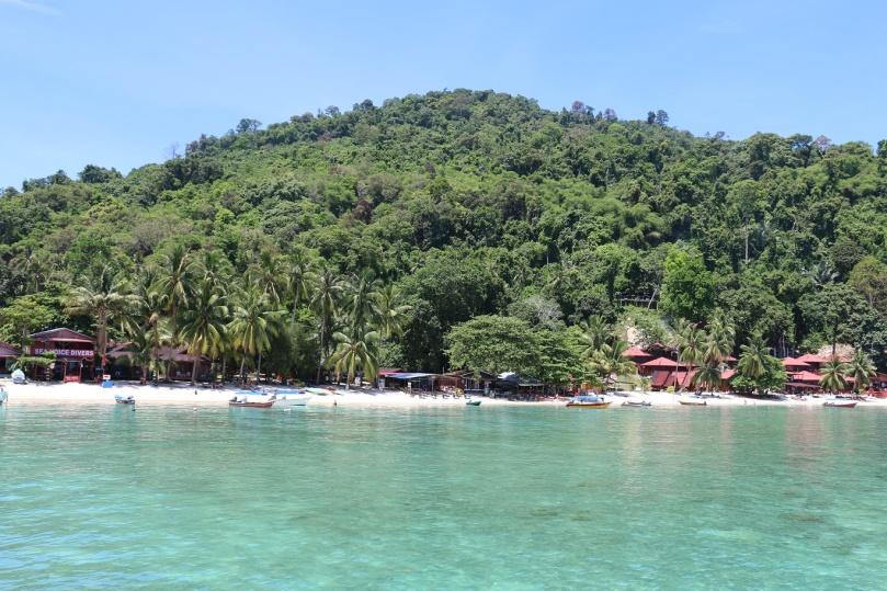 Pulau_Perhentian_Kecil_Coral_Beach_thebraidedgirl