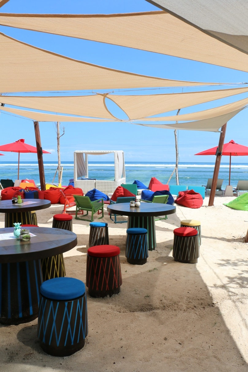Gili_Trawangan_Malibu_Beach_Club_thebraidedgirl